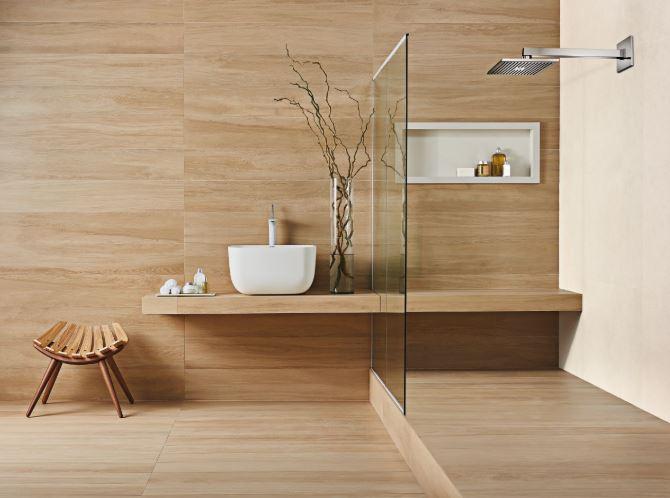 composição em banheiro