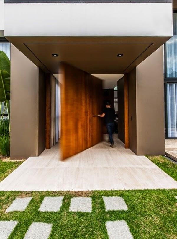 porta de entrada pivotante