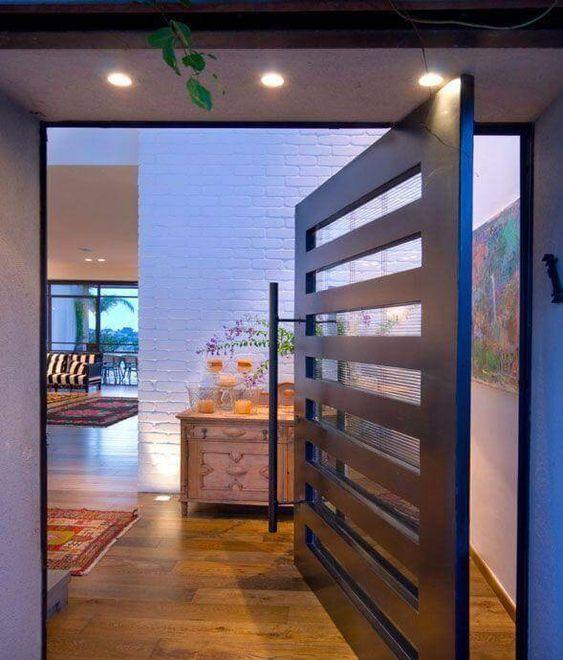 porta pivotante vazada