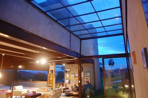 telhado para sacadas
