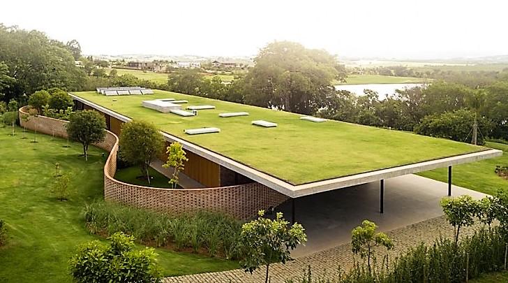 telhado verde com sistema fotovoltaico
