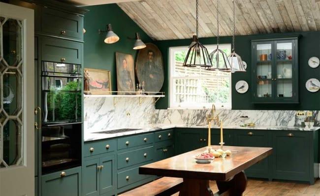 cozinha verde com madeira e pedra