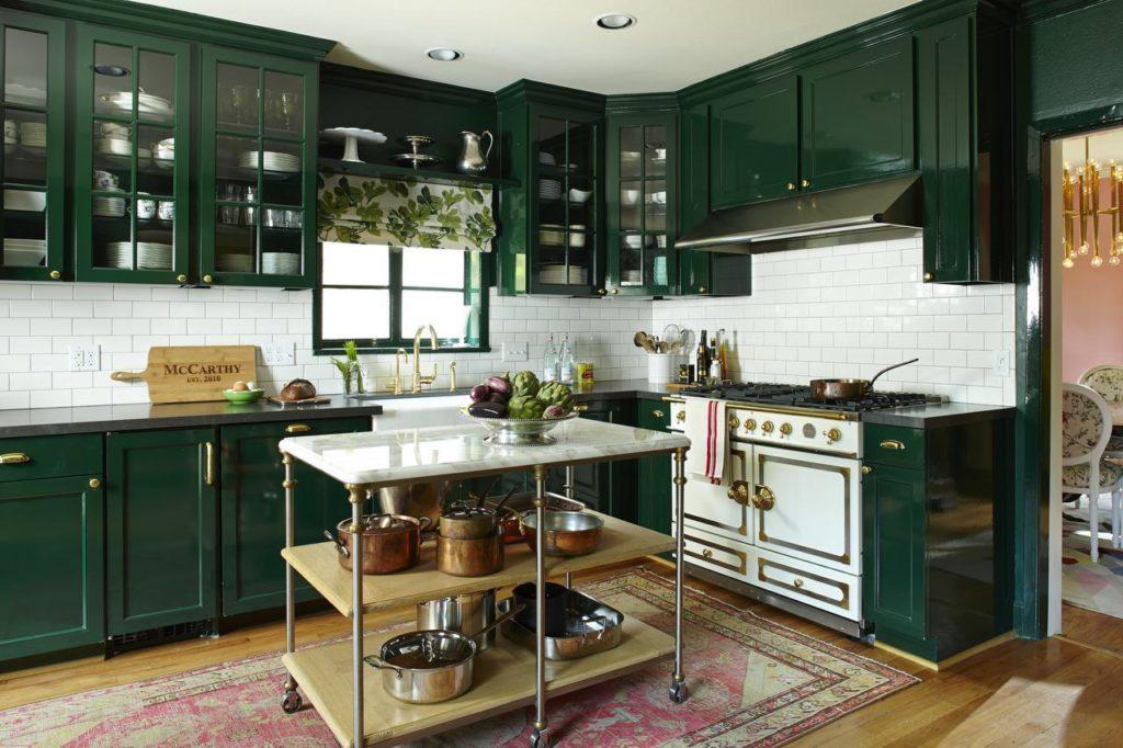 cozinh verde com madeira