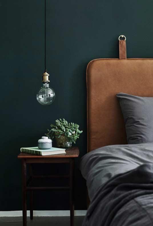 verde musgo escuro
