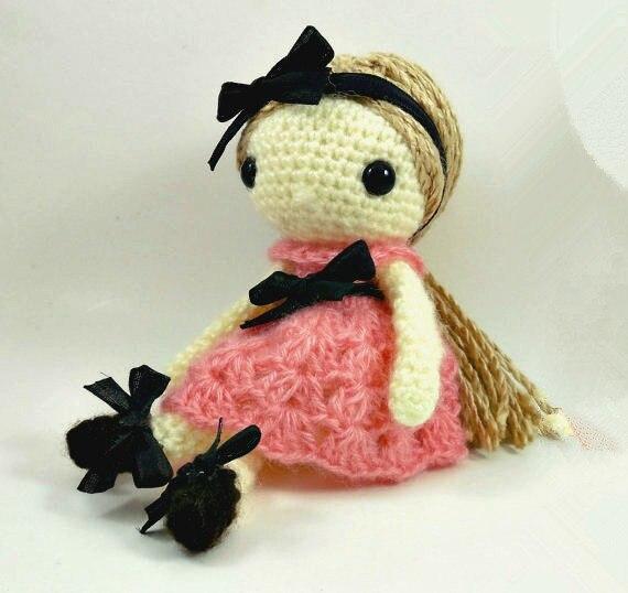 boneca de amigurumi