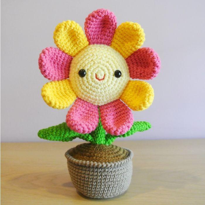 flor colorida com rosto