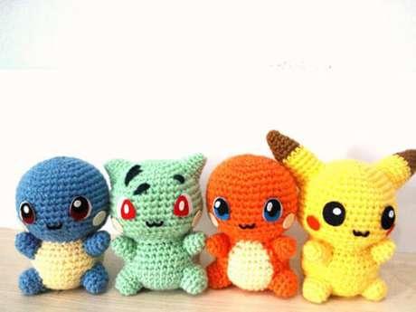 quatro pokémons em amigurumi