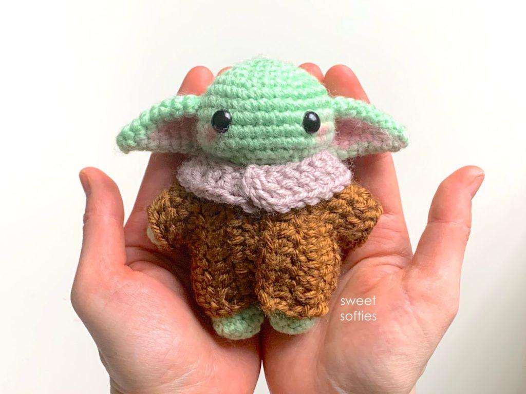 baby Yoda em amigurumi
