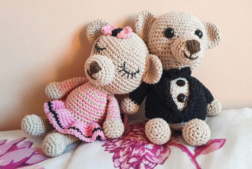 casal de ursos de amigurumi