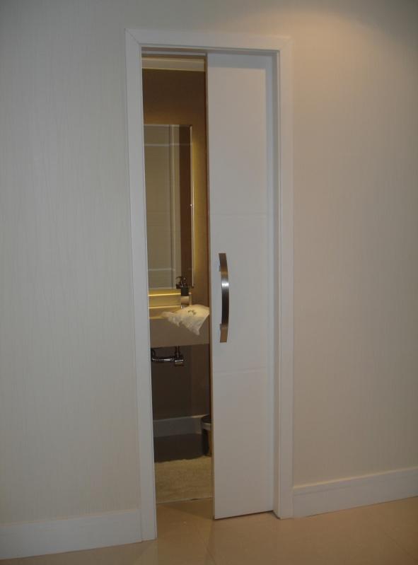 porta de correr para banheiro pequena