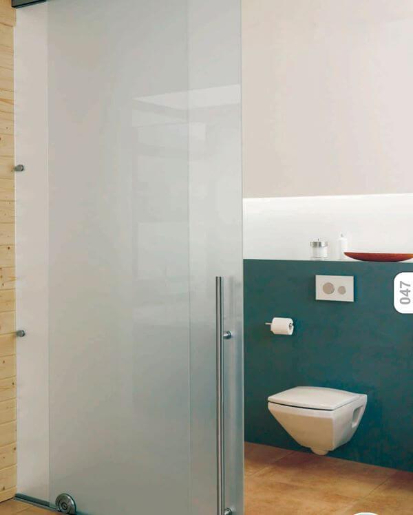 porta com película para banheiro