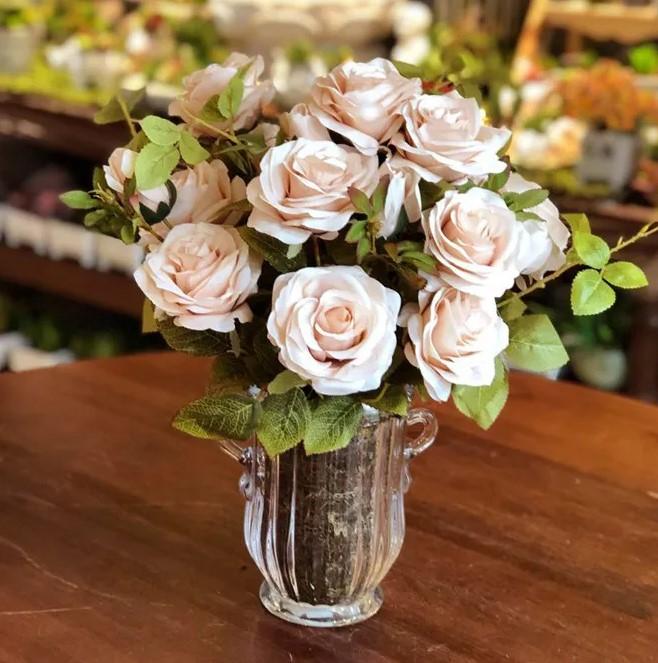 rosas brancas para decoração