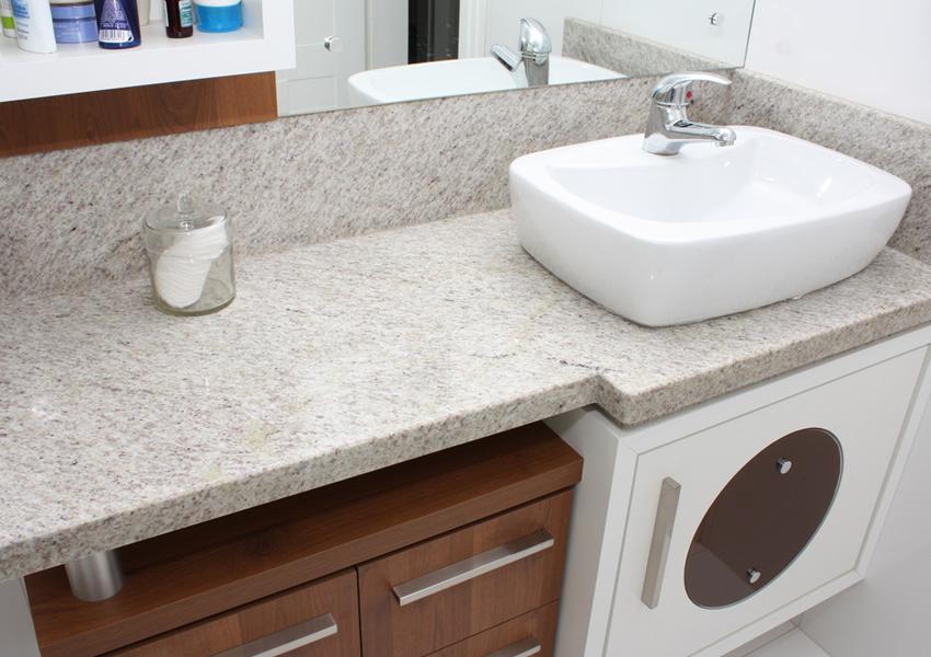granito branco siena no banheiro