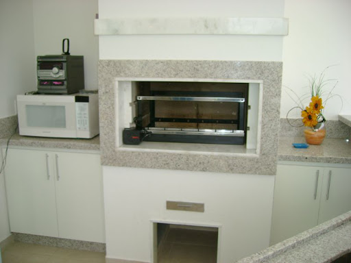 granito branco siena na churrasqueira