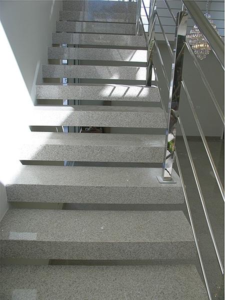 escada sem rodapé