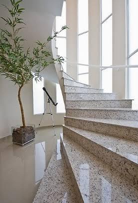 escada arredondada
