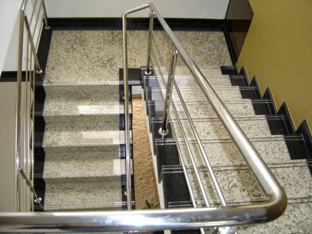escada comercial de granito