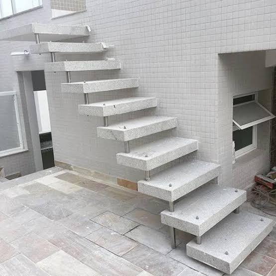 escada externa de granito