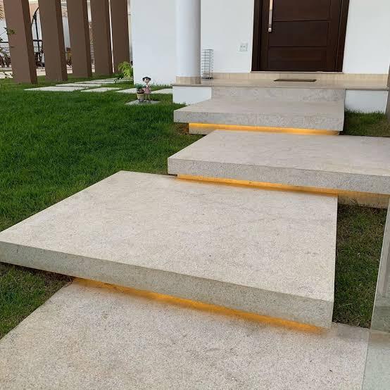 escada de granito escovado