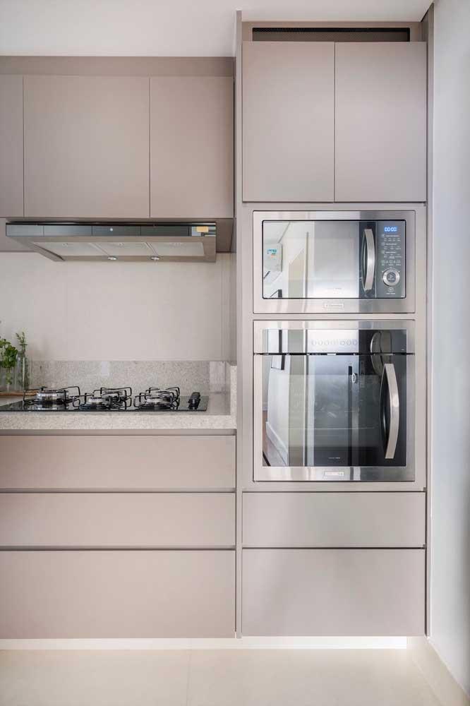 Cozinha de granito branco