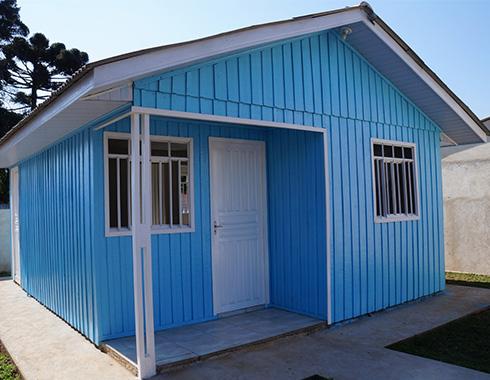 casa pré-fabricada pequena