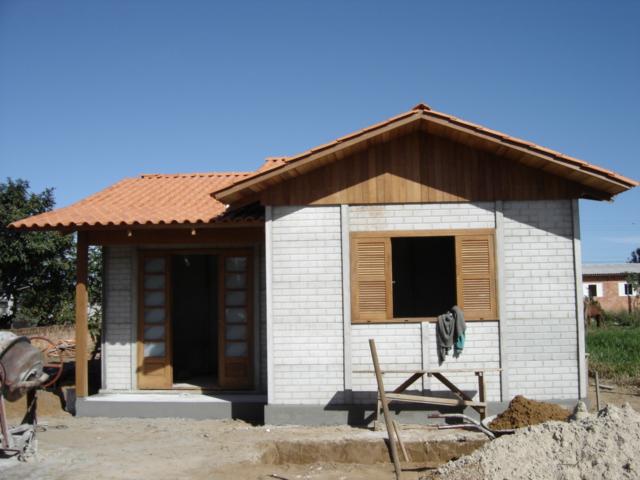 casa pré-fabricada com tijolos de cimento