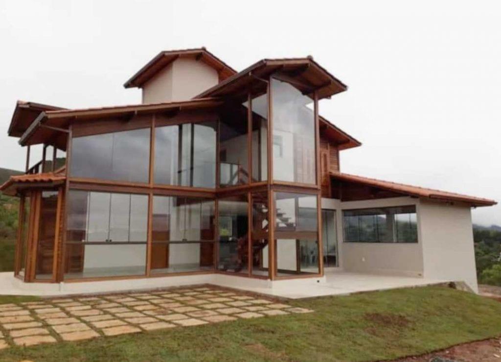 casa com vidro pré fabricada