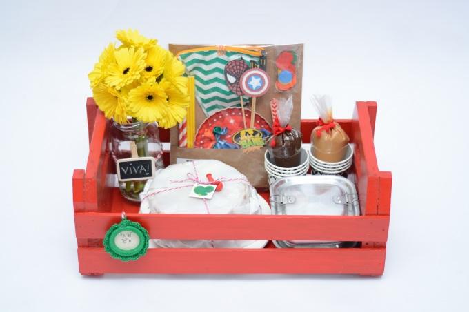 Festa na caixa com caixote de feira