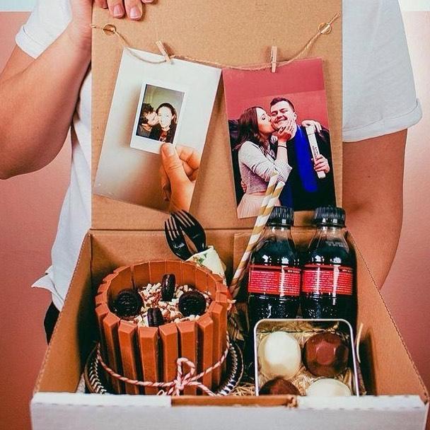 Festa na caixa para casal