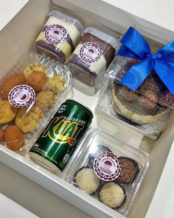 caixa para comer sozinho