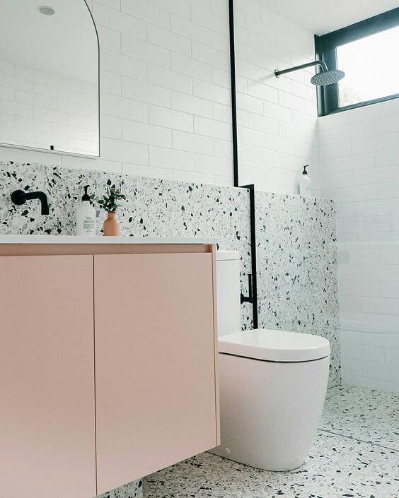 banheiro decorado com granilite