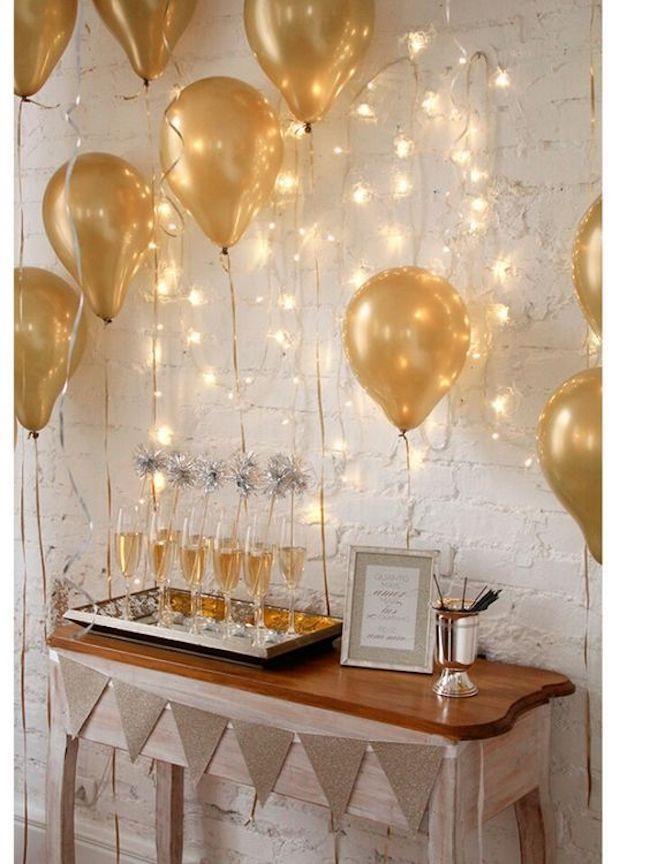 decoração com balões dourados