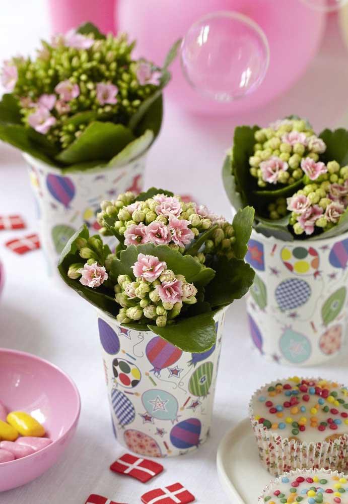 copos decorados com flores