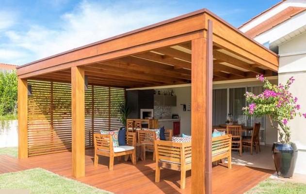 pergolado de madeira para espaço gourmet