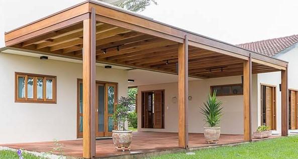 varanda feita com pergolado
