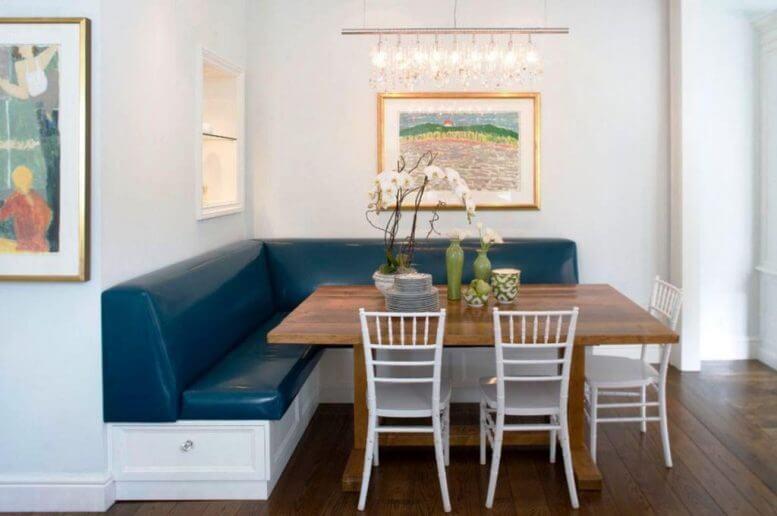 mesa retangular e cadeiras