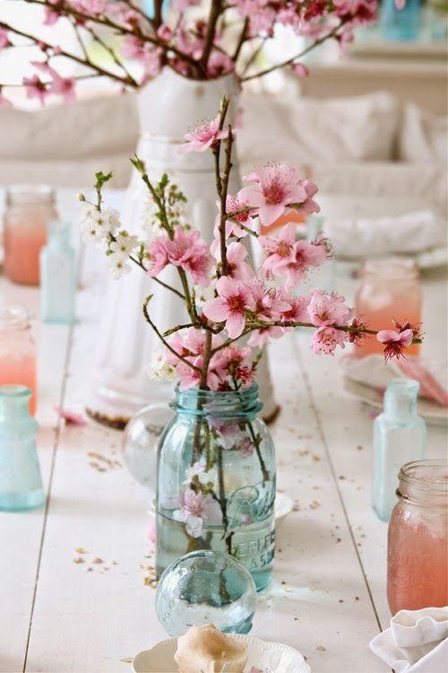 vasos com flor de cerejeira