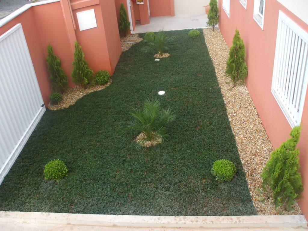 quintal com grama