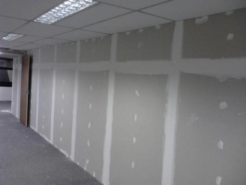 parede quase finalizada