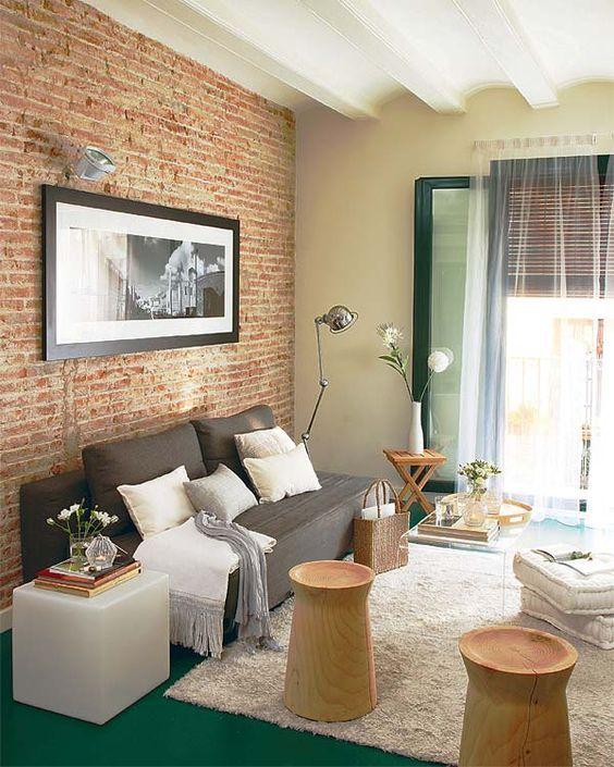sala com parede decorada