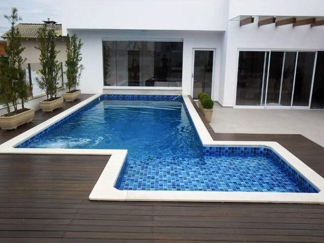 piscina com deck