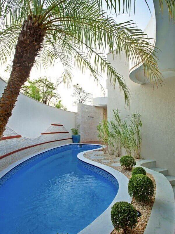 área de lazer com piscina de vinil