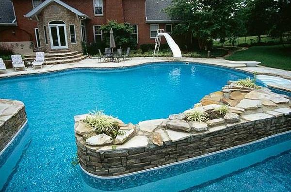 piscina com prainha