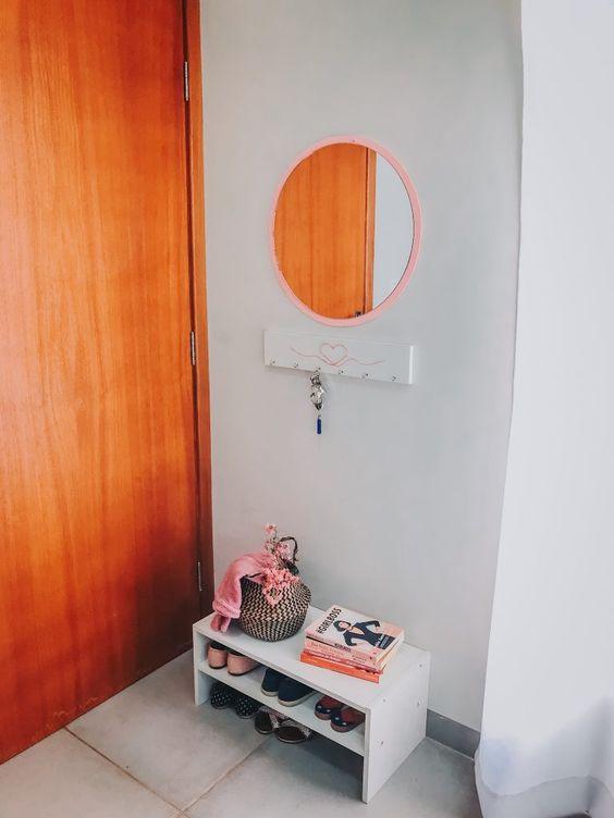 móvel simples para poucos sapatos