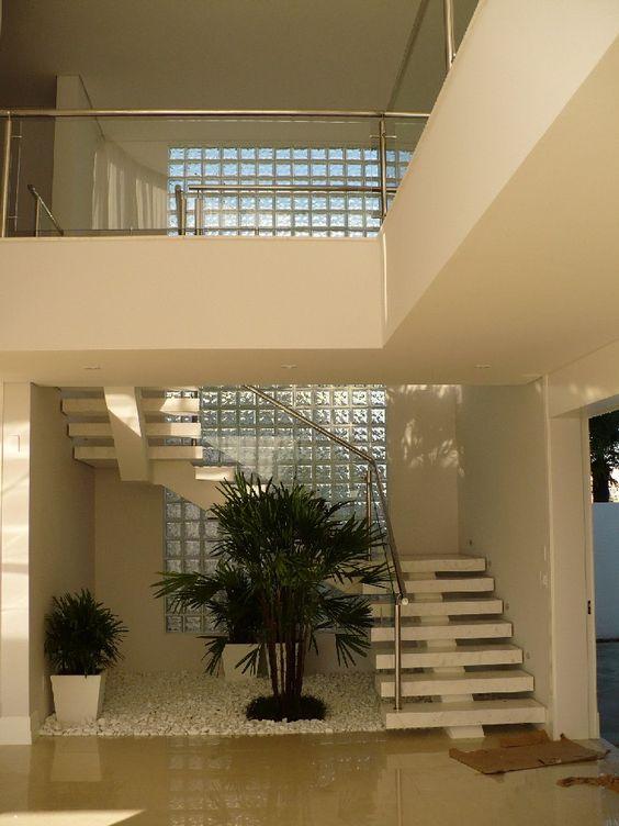 iluminação natural para escada
