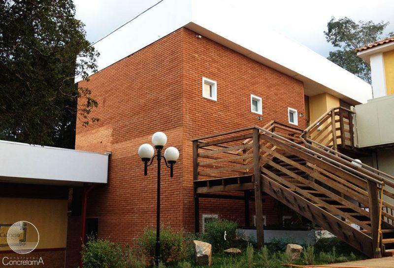 fachada com tijolo ecológico