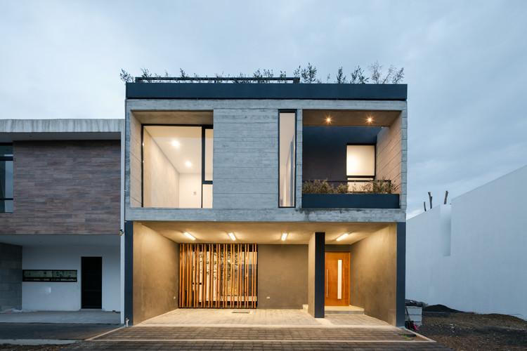 casa moderna cinza e preta