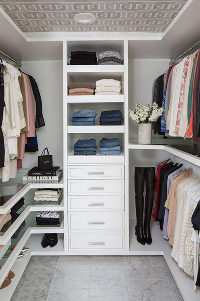 armário organizado branco
