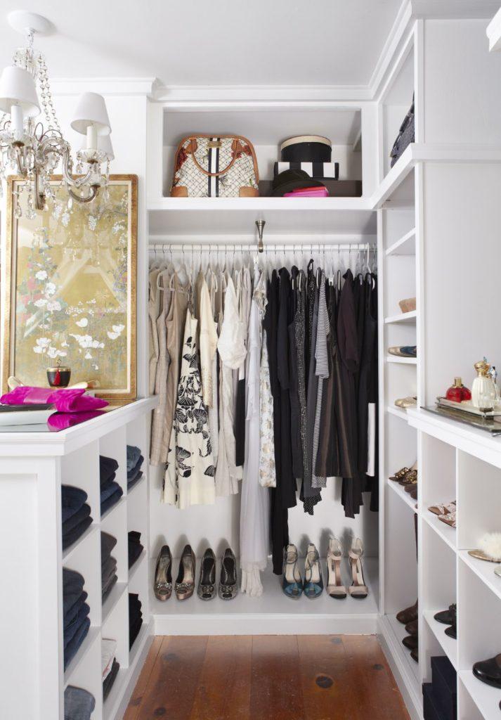 armário pequeno organizado