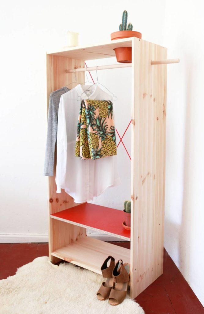 closets simples de madeira